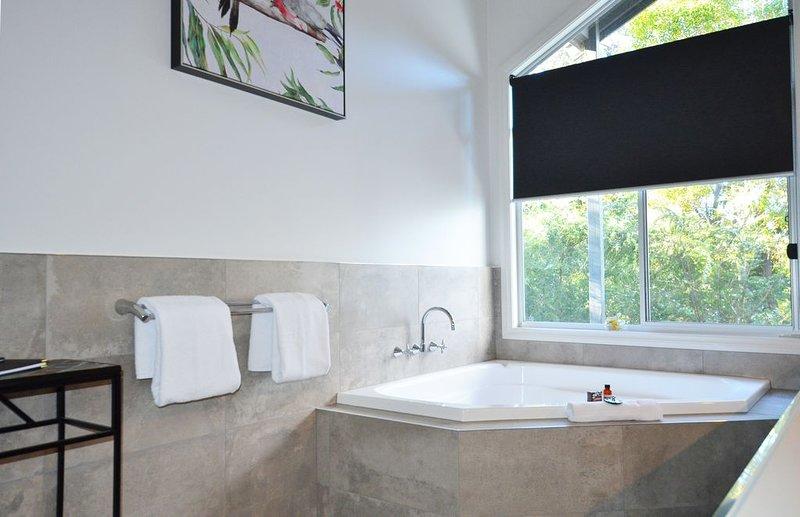 """Luxury couples spa retreat in the heart of the Grampians"", Ferienwohnung in Halls Gap"