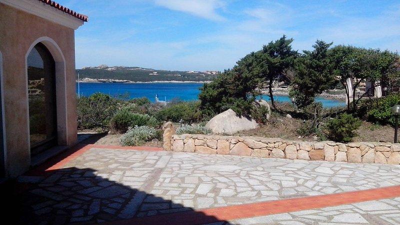 AppartamentoVista Mare Baia Santa Reparata, holiday rental in Capo Testa