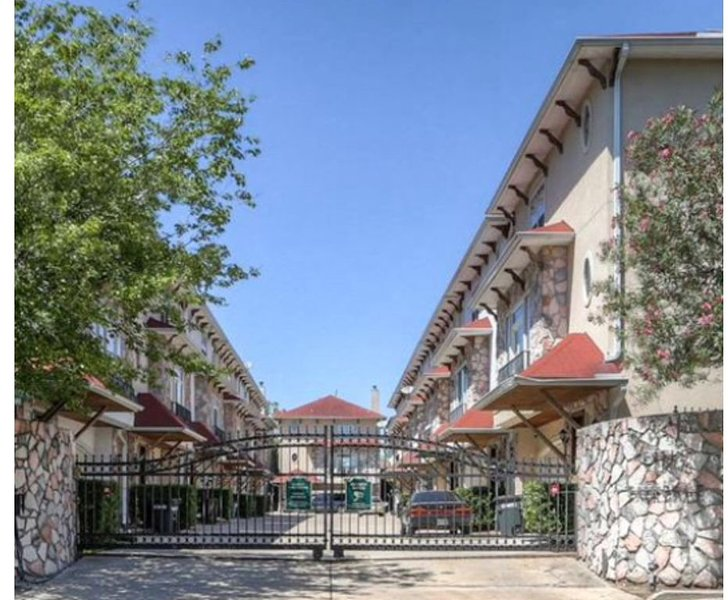 PICK ME! Corporate/Large Family living for short & long stays-3 story patio hm!, casa vacanza a Valley Spring