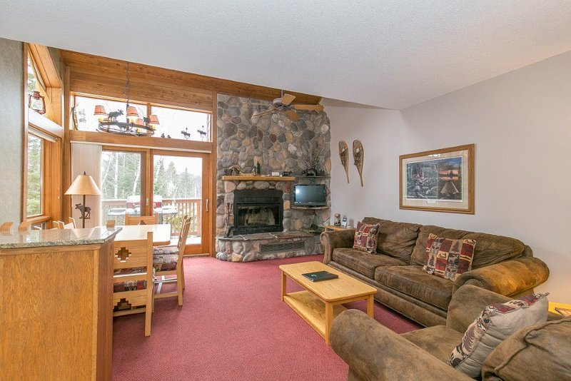 Ski-in ski-out condo in Caribou Highlands at Lutsen Mountains!, vacation rental in Lutsen