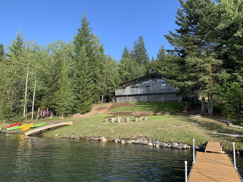 Beautiful Lakefront Cabin on Green Lake, vacation rental in Lone Butte