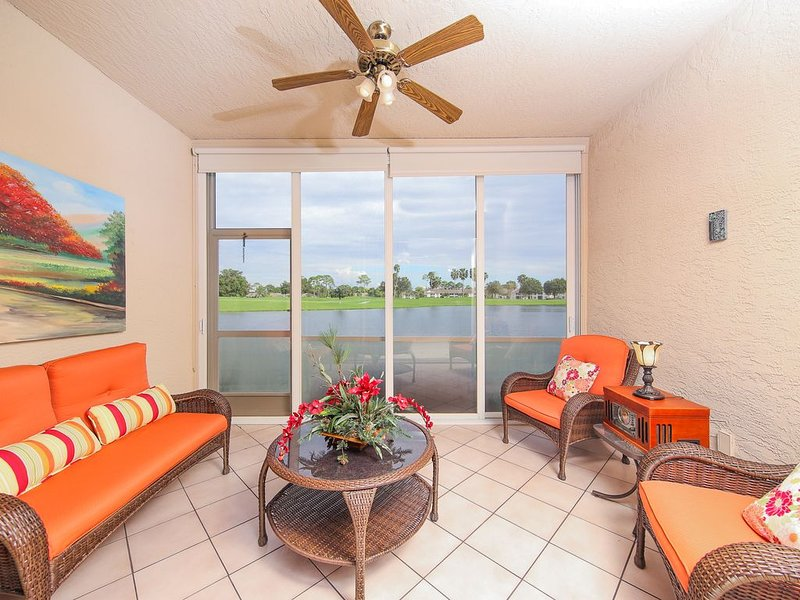 Dog-Friendly condo in Heritage Oaks Golf and Country Club- Heritage Oaks 11, holiday rental in Myakka City
