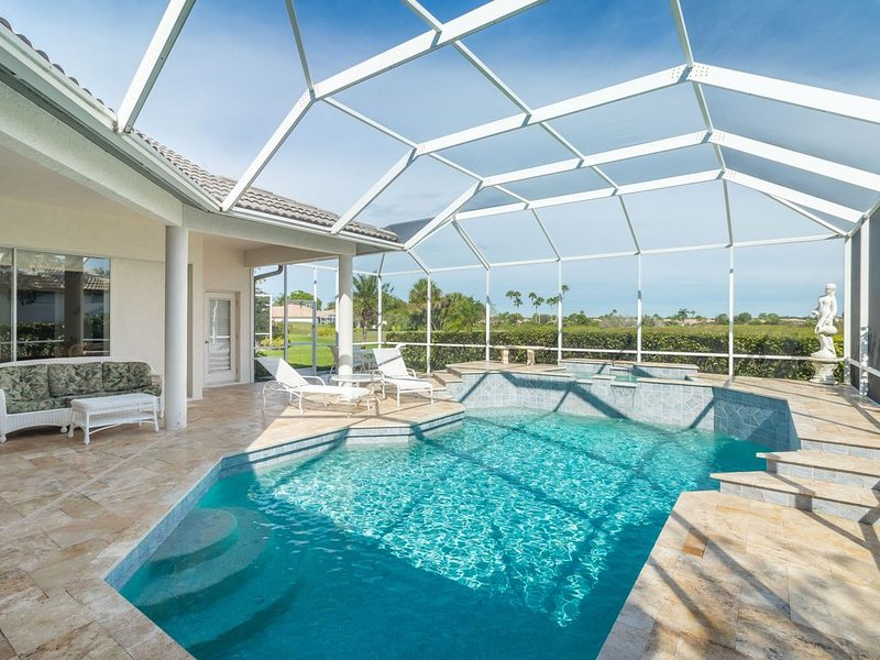 Updated pool & spa home in Heritage Oaks Gulf and Country Club! Heritage Oaks 16, holiday rental in Myakka City