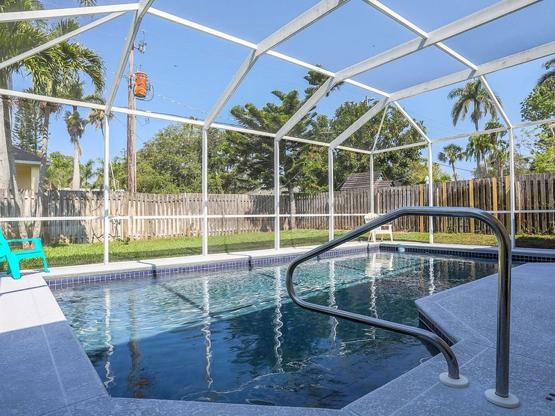 Private Home With Pool & Balcony Near Anna Maria Island.- West Bradenton 15, holiday rental in Bradenton