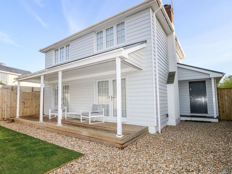 Dolphin Cottage, BEMBRIDGE, holiday rental in St Helens