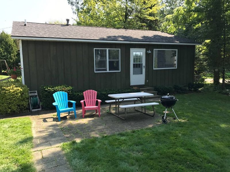 Sunset Beach Cottages #6 - Lake Michigan Shoreline, holiday rental in Muskegon County