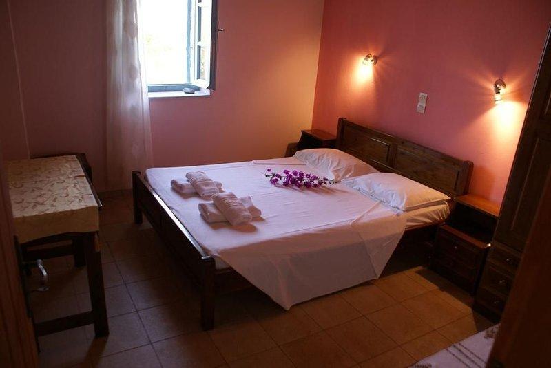 Appartamento con 2 Camere da Letto e Vista Mare, location de vacances à Thalames