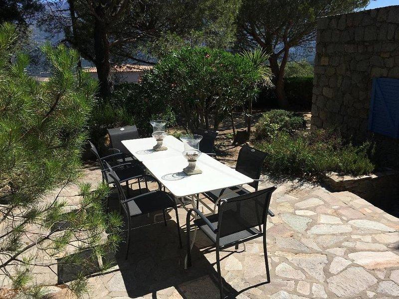 Résidence de charme 10p (rez de jardin+ ét) dans site exceptionnel à Monticello, vacation rental in Monticello