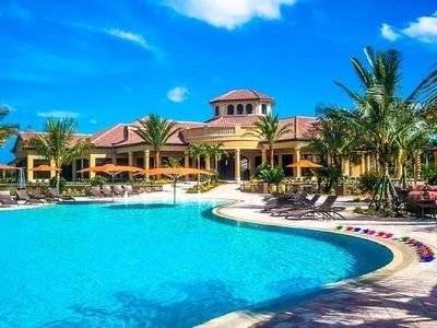 Almost Paradise - Beautiful 2 BR /2BA + Den  Condo in Treviso Bay - Near Beaches, holiday rental in Keewaydin Island