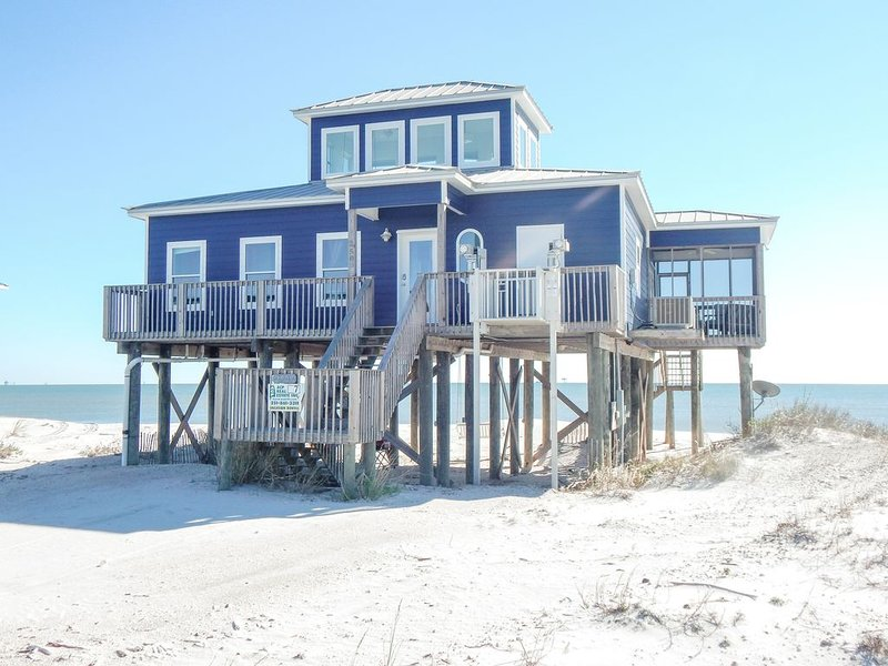 Brand New In 2013; Bright Gulf-front House, holiday rental in Dauphin Island
