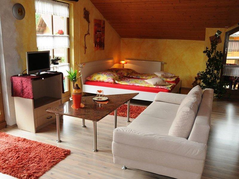 Fewo (36qm), erweiterbar auf 76 qm, Balk., Kochn., 1 oder 2 Schlaf- und 1 Wohn.,, holiday rental in Ruhpolding