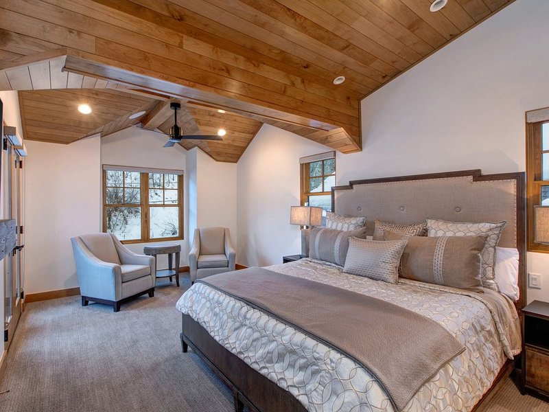 Luxurious Second Floor Master with King Bed