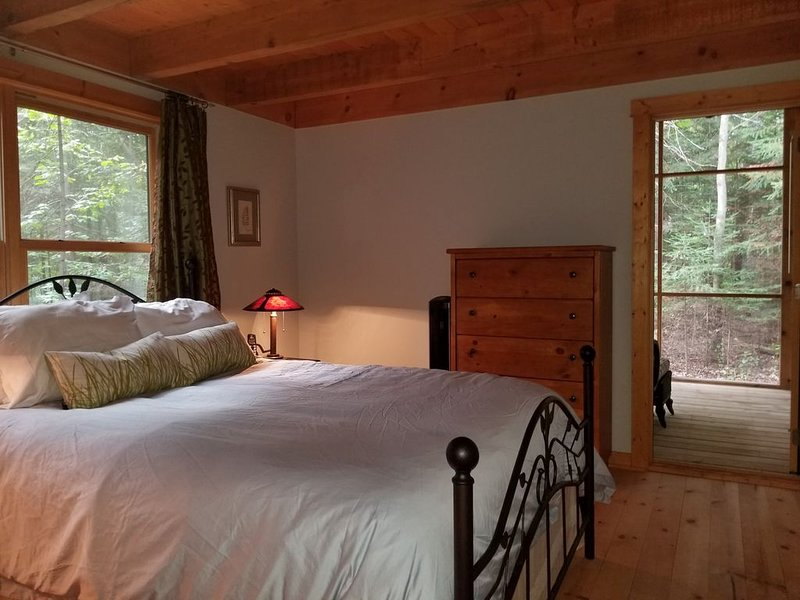 Birchwood Chalet - 3 Bedroom Cabin Surrounded by Nature, vacation rental in Bayfield