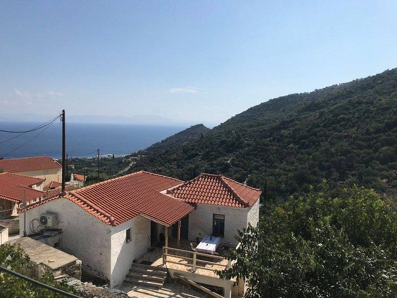 Maison entièrement rénovée dans village classé, casa vacanza a Leonidio