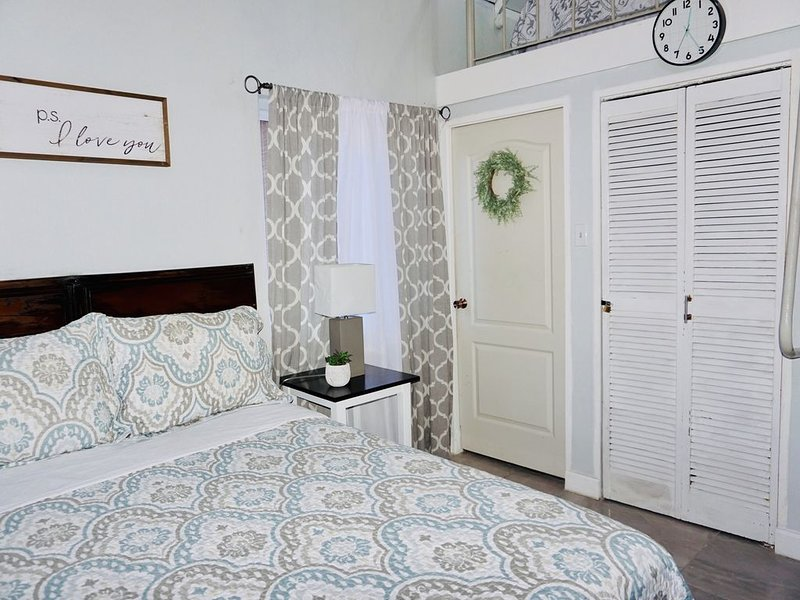 Cozy Studio With Loft Centrally Located In Negril., vacation rental in Negril