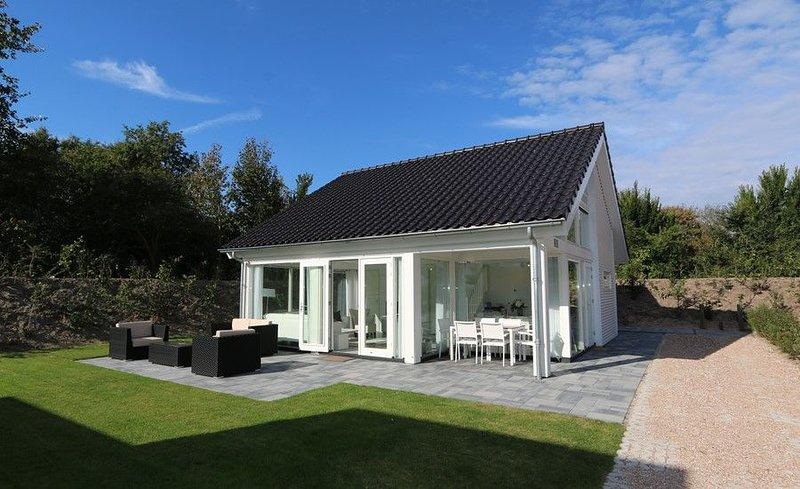 Zonnedorp 4 Stilvolle Villa für einen herrlichen Strandurlaub, casa vacanza a Renesse