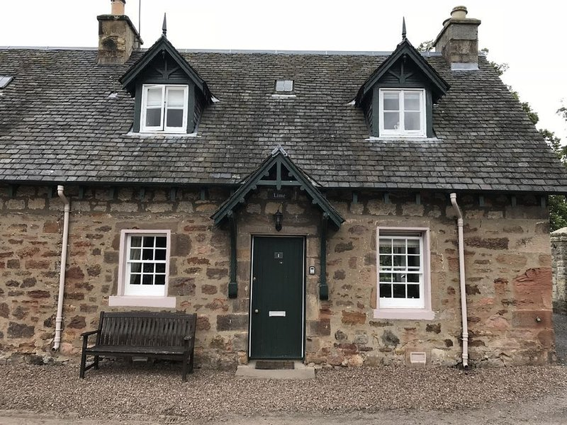Historic cottages at stunning grounds of Arniston House. - Lime Cottage, vacation rental in Roslin