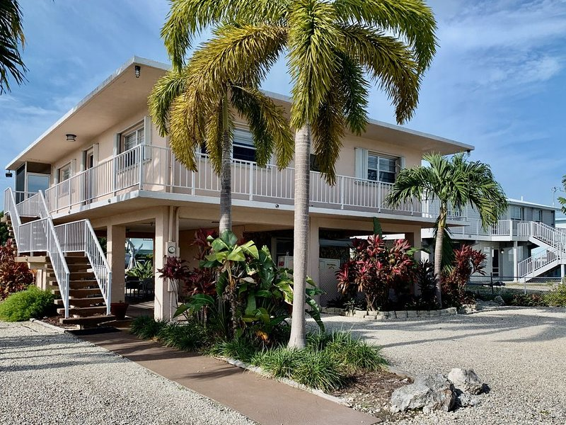 Islamorada Canal Front w/ 60' dock & Access to Private Beach, holiday rental in Long Key