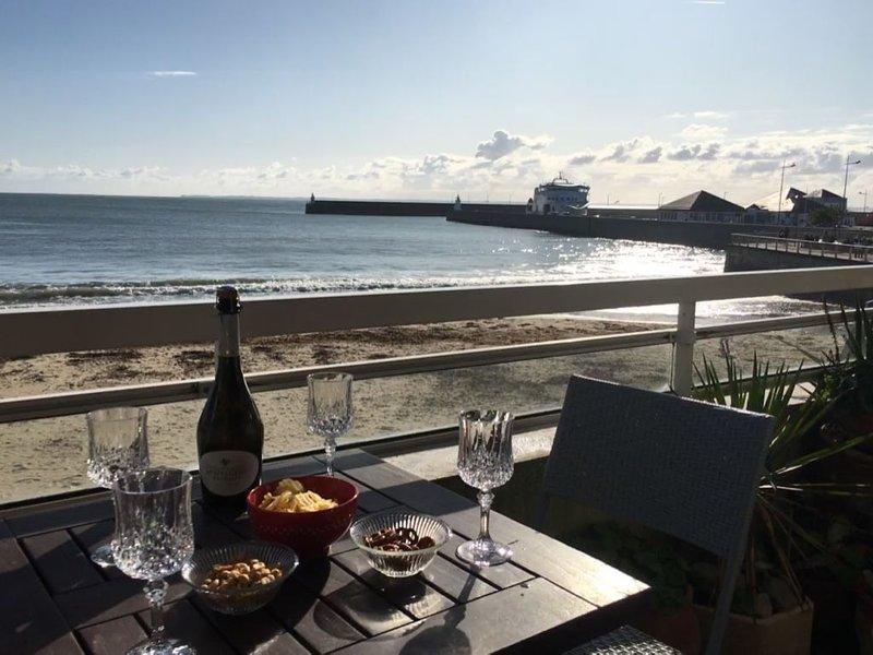 Bel appartement avec vue mer imprenable sur la grande plage de Quiberon, location de vacances à Quiberon