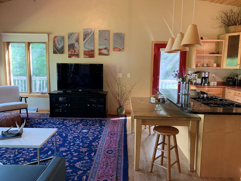 Salmo House - Salmo Retreat, vacation rental in Bayfield
