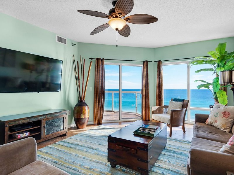 Gulf Front Condo Renovated With Luxury Furnishings, Beach Chairs Included, aluguéis de temporada em Pensacola Beach