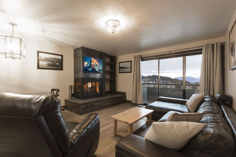 ***Condo was completed renovated this fall *** Awesome Edelweiss 2 bedroom Condo, location de vacances à Whitefish