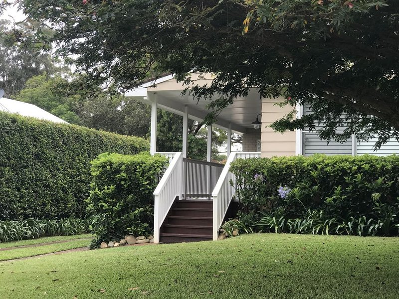 Serenity - our peaceful beach cottage, vacation rental in Hawks Nest