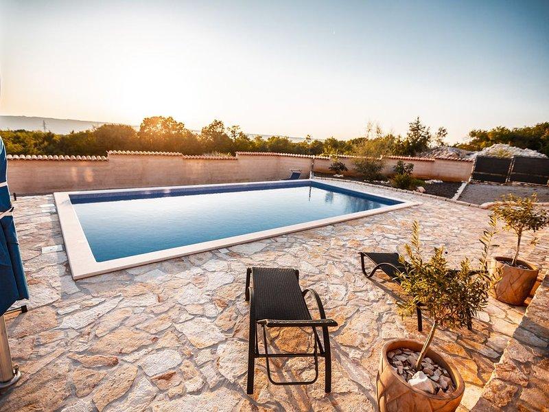 Villa Casa Suncokret Traumhaus mit Meerblick und extra großem Pool auf Istrien, location de vacances à Trget