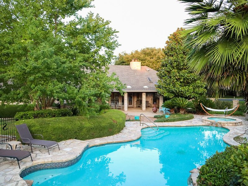 Hill Country Pool Oasis near Boerne & San Antonio!, vacation rental in Boerne