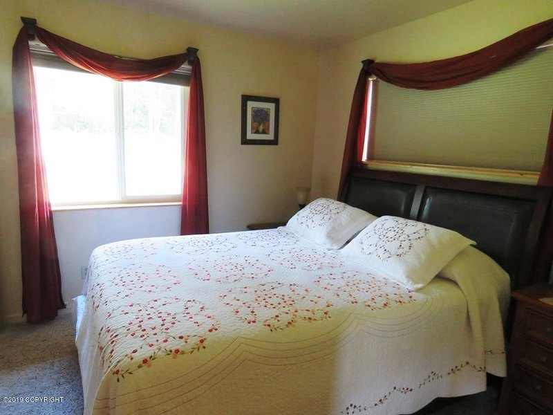 Bear Canyon Cottages - Garden House, vacation rental in Fritz Creek