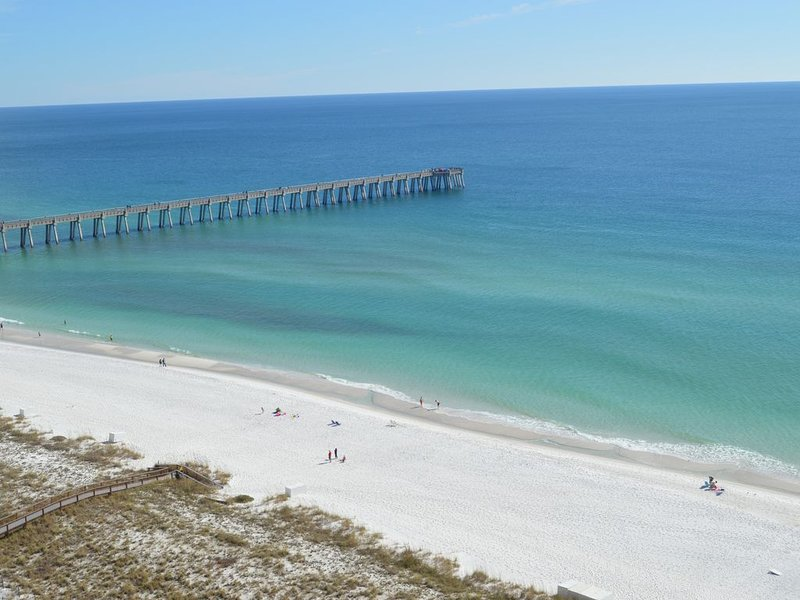 Beach Colony West Penthouse - Incredible Beach Front Views in Navarre Beach, location de vacances à Navarre