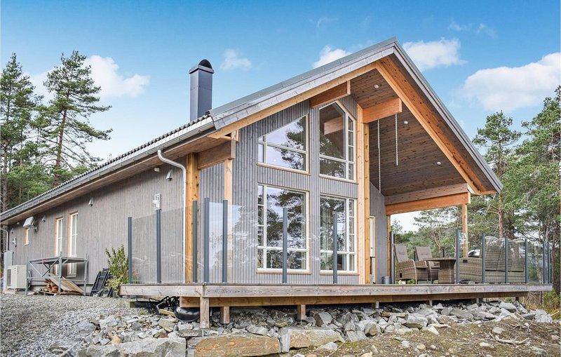 3 Zimmer Unterkunft in Fjelberg, casa vacanza a Kvinnherad Municipality
