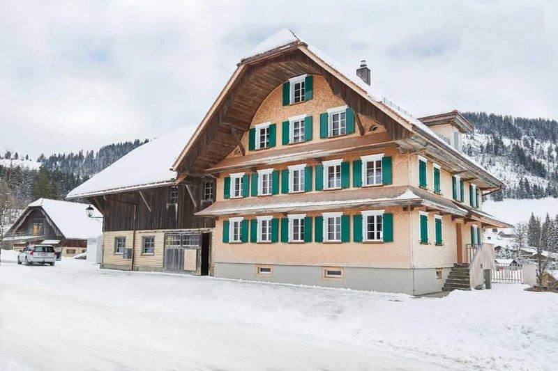 Ferienhaus Hasle LU für 4 - 6 Personen mit 2 Schlafzimmern - Bauernhaus, holiday rental in Ruswil