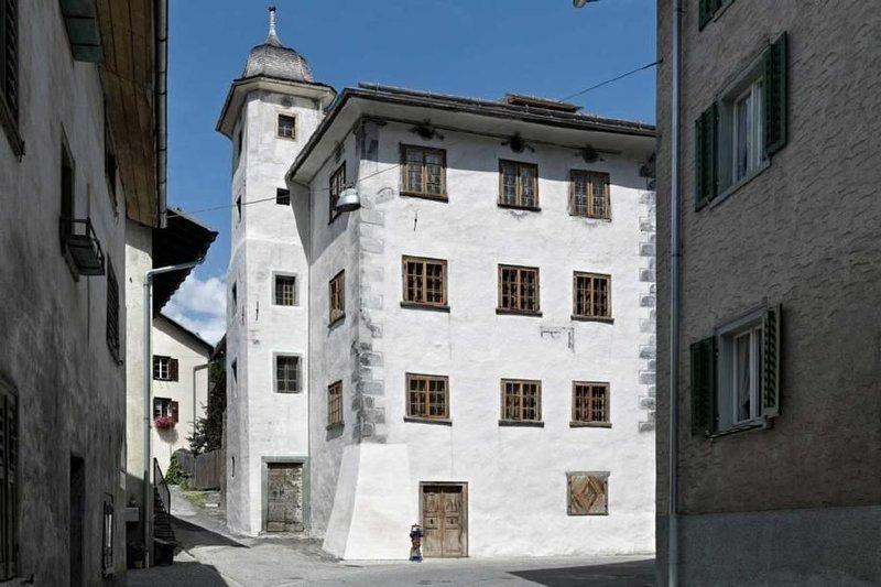 Ferienwohnung Valendas für 7 Personen mit 5 Schlafzimmern - Historisches Gebäude, location de vacances à Vals