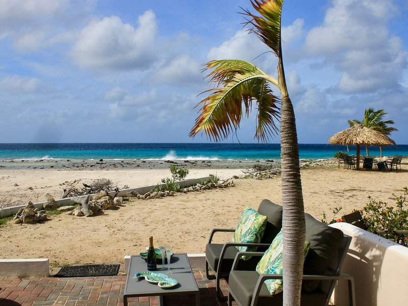 Affordable Oceanfront Vacation At Its Best, location de vacances à Bonaire