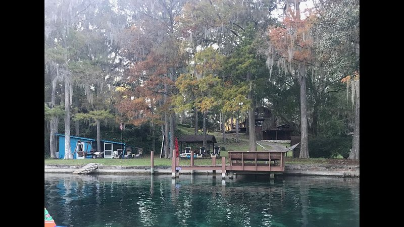 Rainbow Riverfront - Cedar Home, with breathtaking view – semesterbostad i Dunnellon