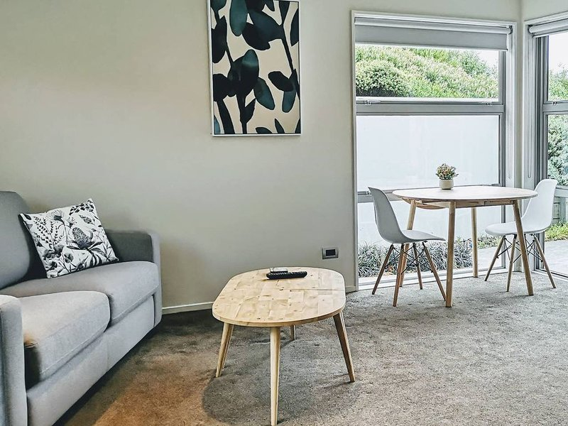Modern, fully-equipped guesthouse, holiday rental in Canterbury Region