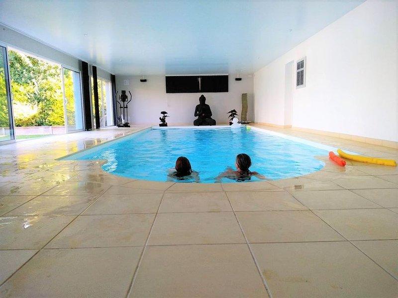 Casa Alegria meublé de tourisme 5 étoiles, piscine privée chauffée à 30°., casa vacanza a Londinieres