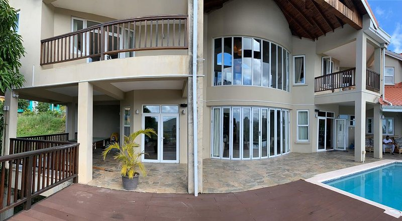 Villa Xona - a Luxury villa with stunning views - perfect for entertaining, holiday rental in Castries