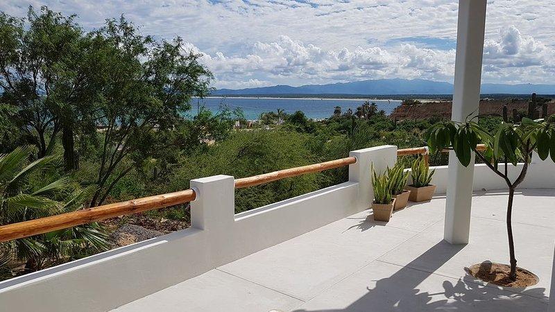 Casa Tako 1, New house, 5 minutes walk to kite launch beach, holiday rental in El Sargento