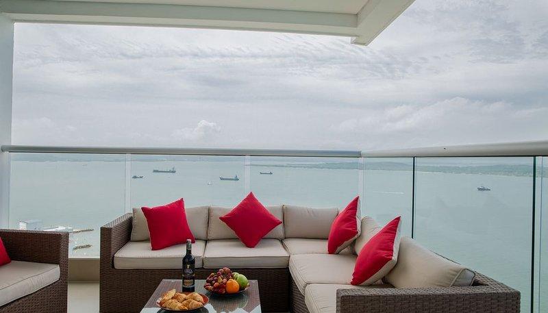 3BR luxurious and fantastic apartment view, location de vacances à Bocachica