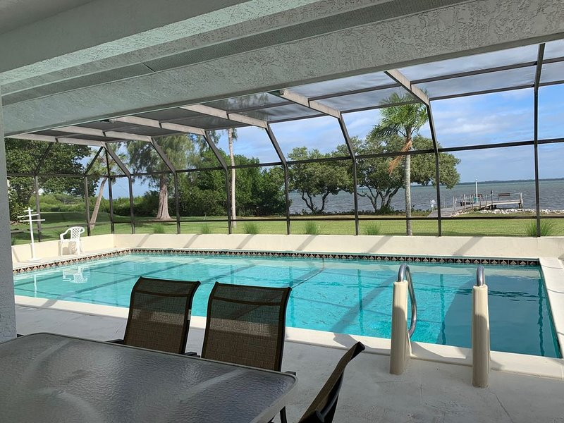Bayfront Longboat Key House with Pool and Beach Access, holiday rental in Longboat Key