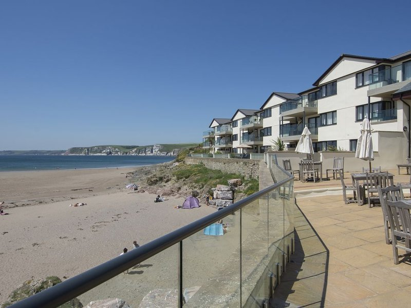 12 Burgh Island Causeway, BIGBURY-ON-SEA, holiday rental in Burgh Island