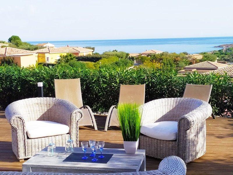 Sant'Ambroggio : Appt standing vue mer, résidence privée avec piscine , 6 pers., casa vacanza a Lumio
