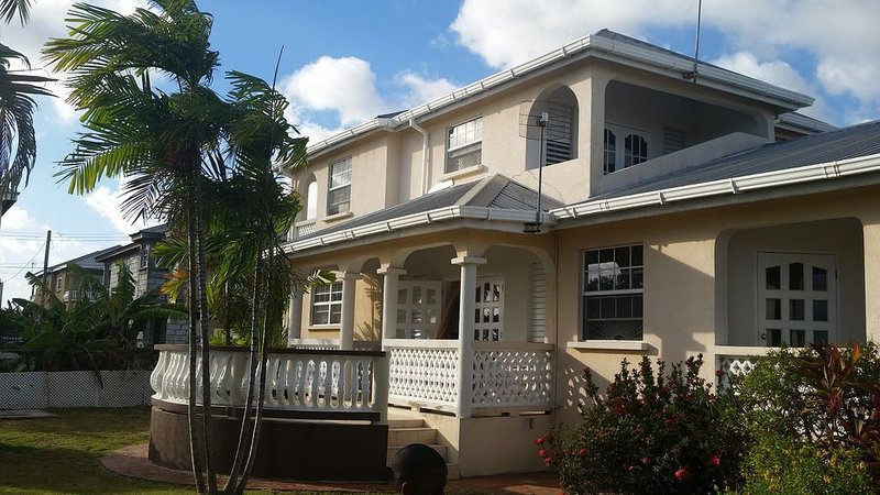 Haven Palace -The Entire House, vacation rental in St. Lawrence Gap