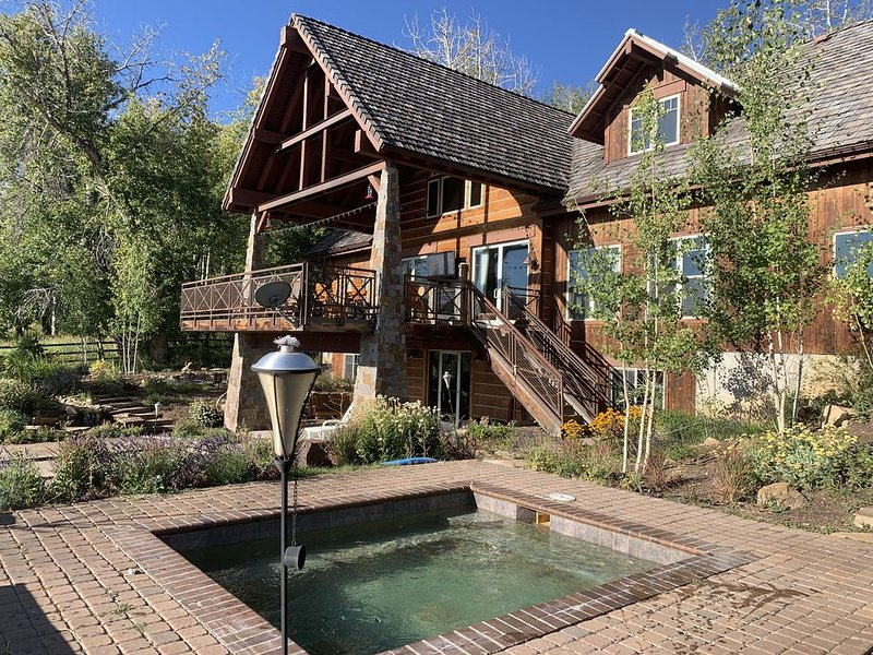 One of a Kind,  Perfect Retreat, vacation rental in Gypsum