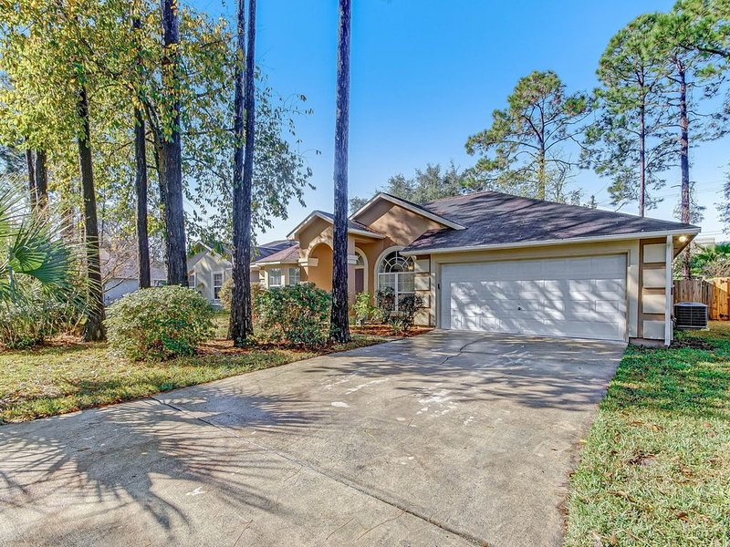 3/2 Single Family Home 1 mile from Beach!!!, holiday rental in Yulee
