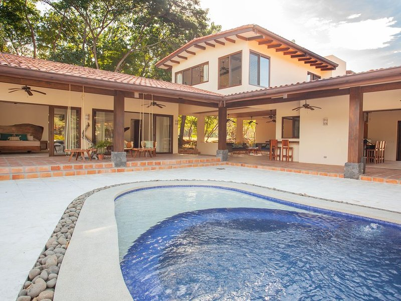 Tamarindo -Hacienda Pinilla -Open Air Mexican Style Golf Course Front Villa, vacation rental in Playa Avellanas