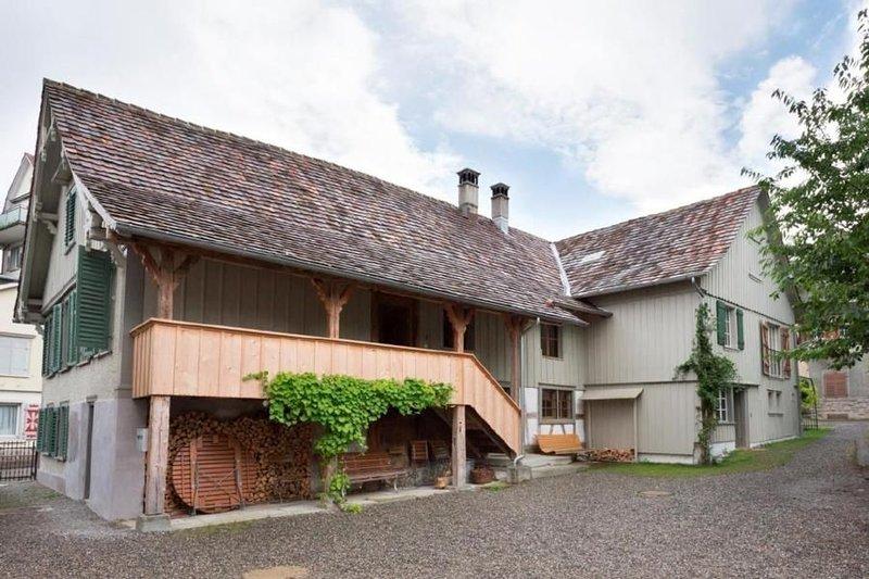 Ferienwohnung Romanshorn für 6 Personen mit 3 Schlafzimmern - Historisches Gebäu, Ferienwohnung in Kanton Thurgau