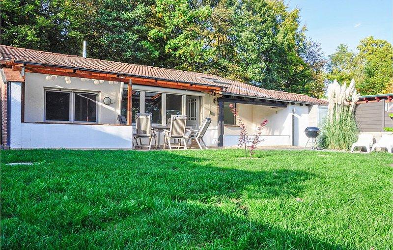 2 Zimmer Unterkunft in Gunderath, holiday rental in Mullenbach